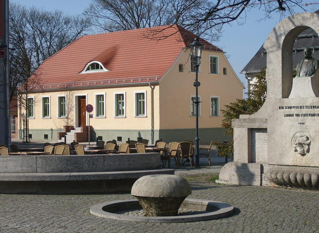 Abstrakte Malerei - Atelier Teltow - direkt am Marktplatz in der Altstadt